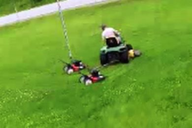 Se hai un giardino immenso ecco come tagliare l'erba in pochissimo tempo