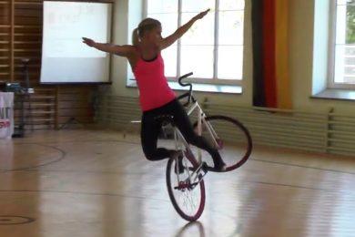 Acrobazie incredibili in bici