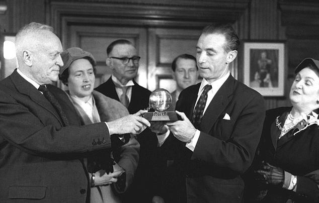 Stanley Matthews_1956