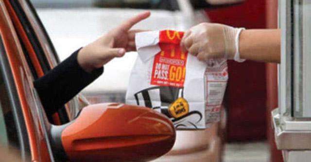 Mc Donald's: anziché panini ricevono migliaia di dollari